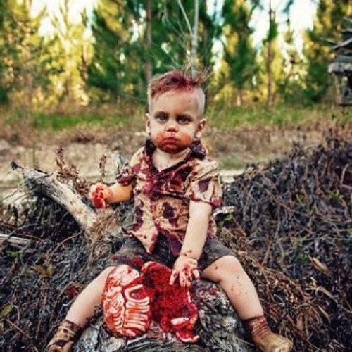 Mamá es criticada por la sesión de fotos Zombie Cake